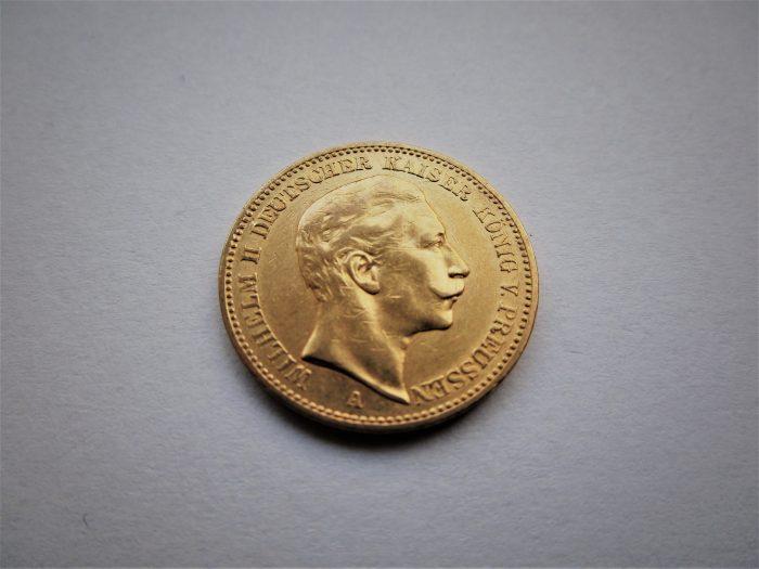 Wilhelm II in Gold gebannt