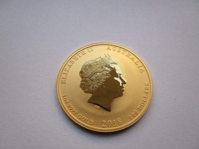 Queen Elizabeth II auf der Lunar Goldmünze